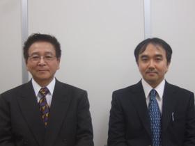 室原社長(左)と眞鍋常務