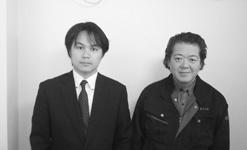 萬上室長(左)と大島工場長