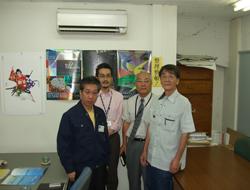 左から金井部長、中山氏、佐野社長、井上チーフマネージャー
