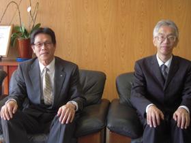常務取締役 印刷センター長 守屋正二様(左)、 システム管理室長 宮沢 豪様